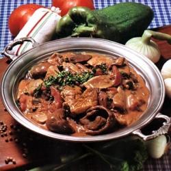 гуляш из свинины с грибами и сметаной рецепт